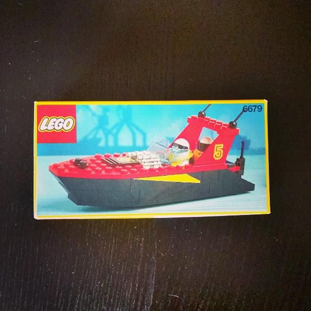 Mein erstes Speedboat :) #retroLEGO #LEGO #Boot #boat