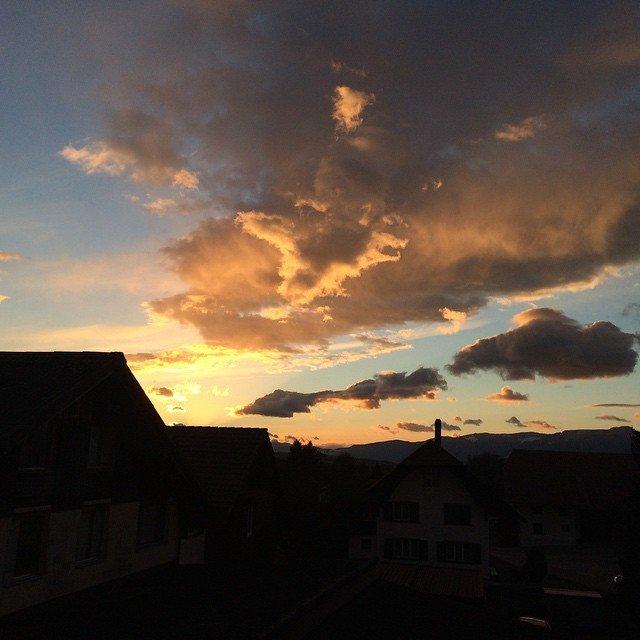 Es wird doch langsam Sommer #Etziken #sky #solothurn #schweiz #himmel…
