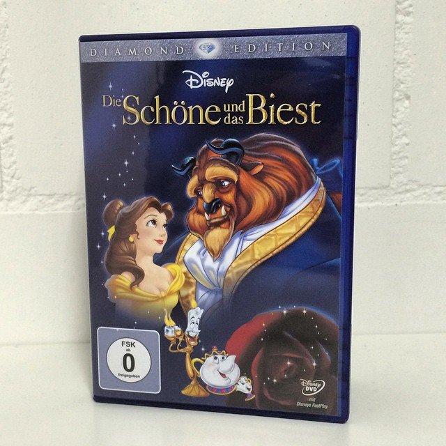 Unsere Mädels werden uns lieben @stephanie.rechsteiner ;-) #Disney #DieSchöneUndDasBiest #DVD…
