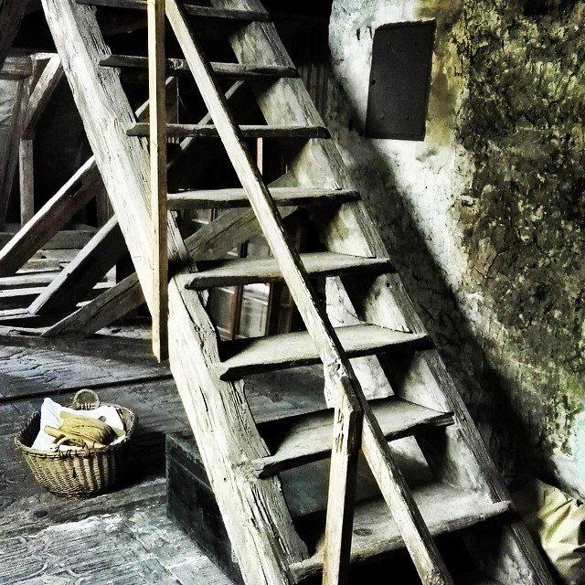 Treppe im Esterrich vom historischen Museum Blumenstein #Solothurn #Museum #schweiz…
