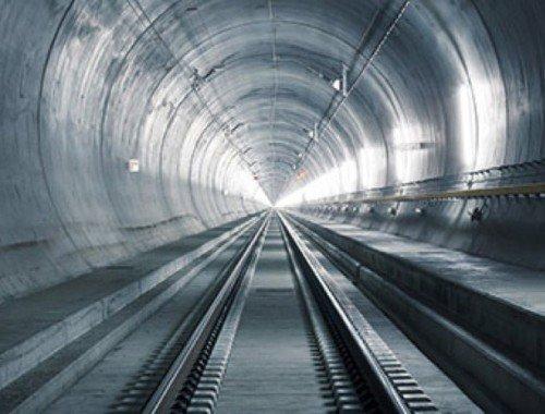 362 Tage bis zur ersten Fahrt durch den längsten Eisenbahn-Tunnel der Welt
