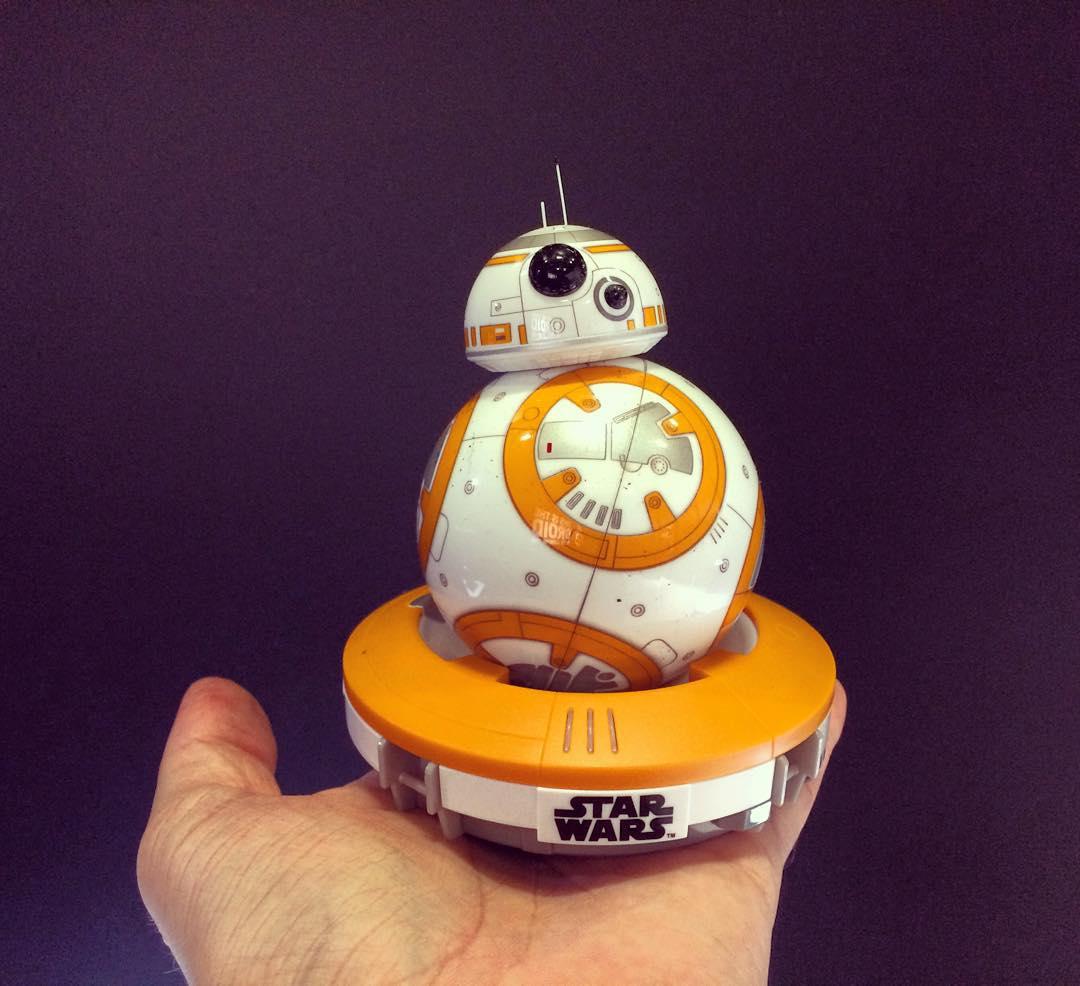 Der neue Sphero BB8 auf meiner Hand Ist er nichthellip