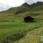 Einsame Hütte vor Juf