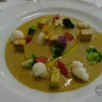 Zwei Curry auf einem Teller