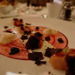 Glasierter Kaninchenrücken, Karotten, Périgord-Trüffel