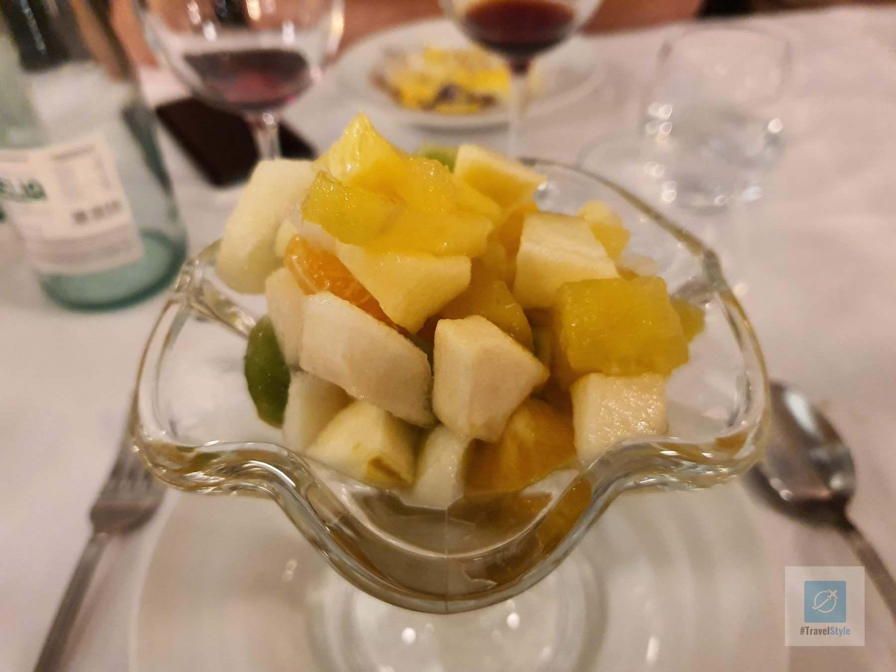 Zum Dessert gibts Fruchtsalat